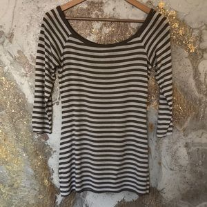 Anthropologie Scoop Neck 3/4 Sleeve Tee